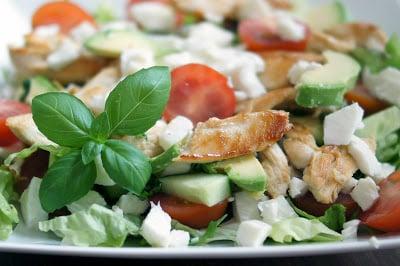 Salade met zoete aardappel en ei