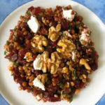 Salade van bietjes, linzen, walnoten en geitenkaas